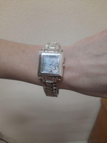 Продам женские часы Chopard