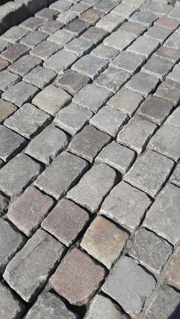 Starobruk kostka granitowa używana bruk brukowiec granit kamień polny