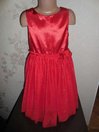 Продаю нарядное платье H&M, низ 2 слоя фатина, 8-9 лет.