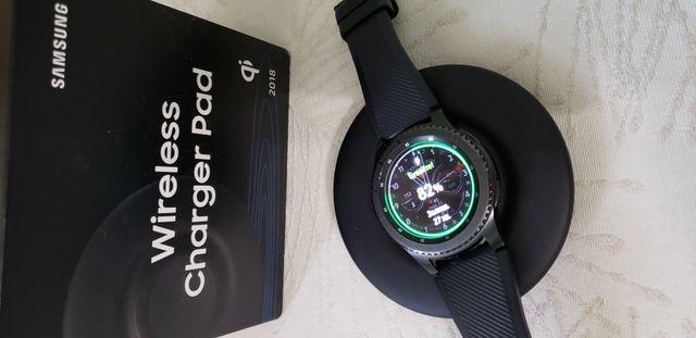 Беспроводная зарядка Samsung для телефона, часов galaxy watch, gear s3
