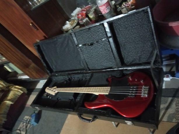 Кофр для бас гитары мастеровой.