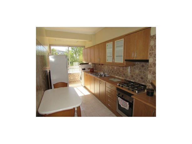 Casas Apartamento para arrendamento em Carnaxide / Oeiras
