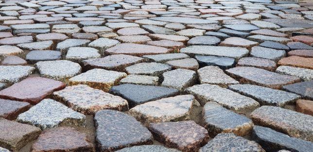Kamień polny cięty płomieniowany łupany kostka granitowa bruk kociełby