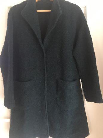Wełniany płaszcz, narzutka