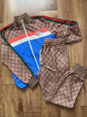 Костюм Gucci коричневый лого