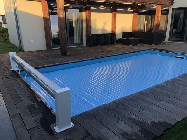 Segurança na piscina com cobertura manual