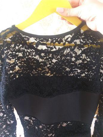 Чорне плаття з мереживом