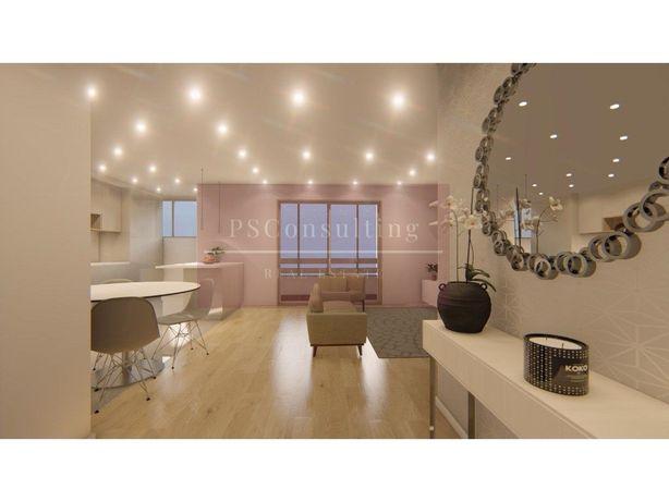 Apartamento T2 Totamente Renovado Na Quinta Do Marquês Em...