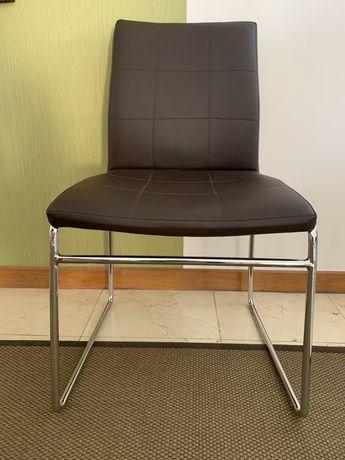 Cadeiras de mesa de jantar em pele sintetica e cromadas
