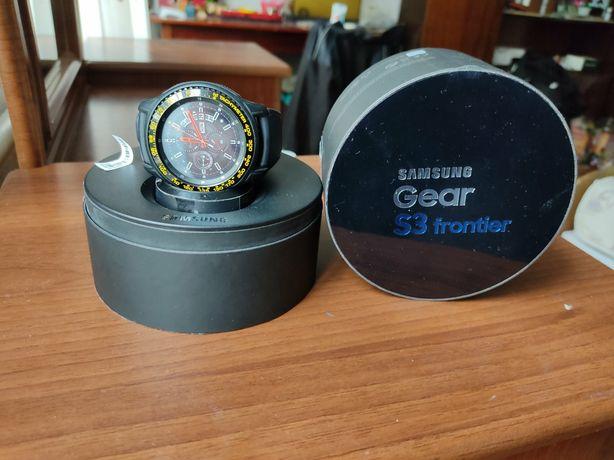 Продам смартчасы  Samsung Gear S3
