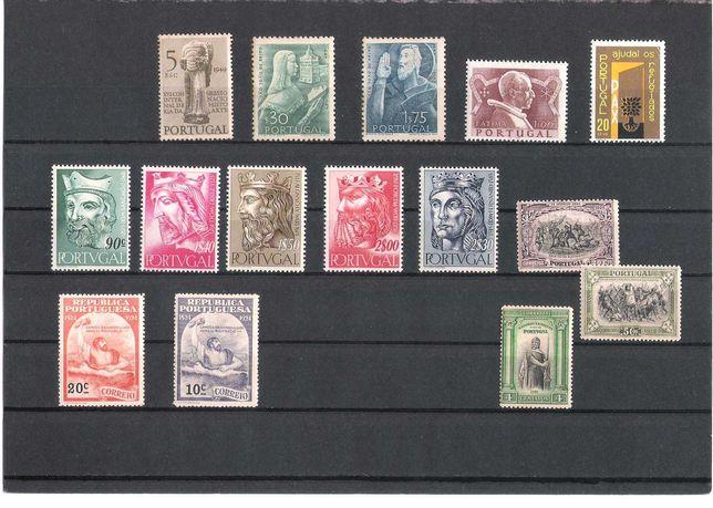 Classificador com selos novos de Portugal