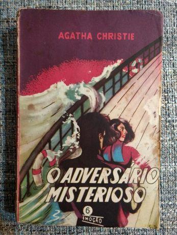 """""""O Adversário Misterioso"""" Agatha Christie - Coleção Emoção Nº6 - 1951"""