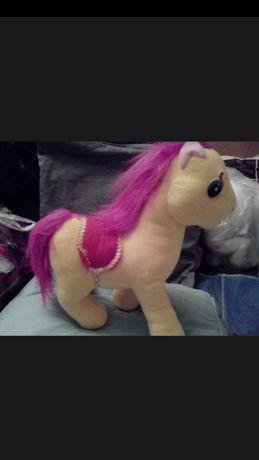 Конь,лошадь магкая игрушка
