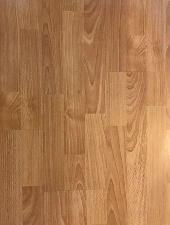 Panele podłogowe w kolorze bukowym 43,5m2