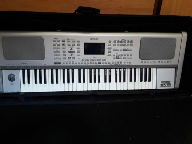 KETRON SD 5 - keyboard z czytnikiem USB I SD CARD, Case