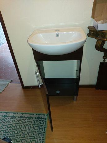 Móvel wc com lavatório