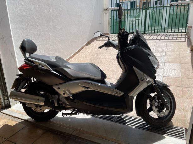 Moto Yamaha 125 Scooter
