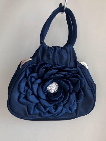 Темно-синяя сумка LAPIN HOUSЕ с имитацией розы, и аккуратными стразами