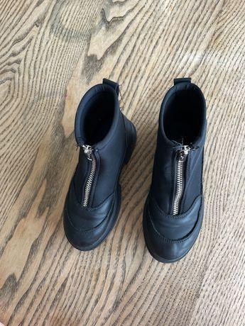 Zara чобітки для дівчинки