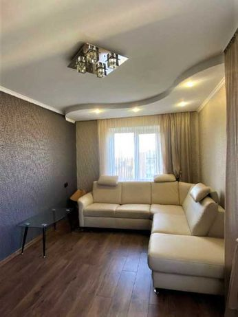 Укомплектована двокімнатна квартира з меблями та побутовою технікою.