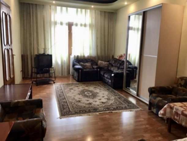 Продам 4-х комнатную квартиру р-н ЖД вокзала