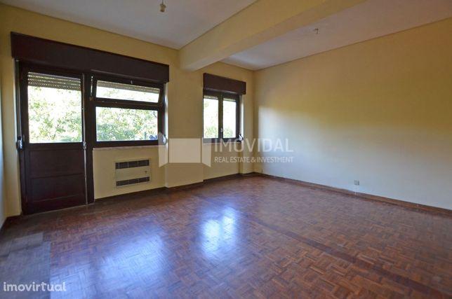Apartamento T2 em Alcântara junto ao ISA