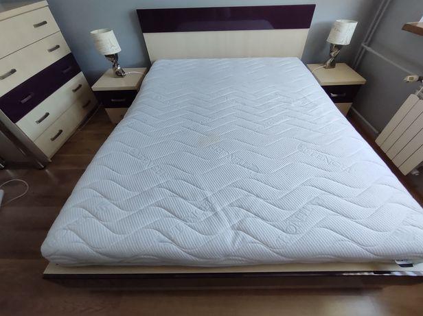 Łóżko sypialniane+komoda+szafki nocne+półki+stolik