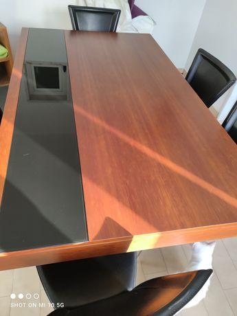 Mesa de sala em madeira maciça em cerejeira