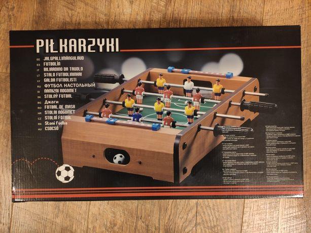 Ministół do gry w piłkarzyki.