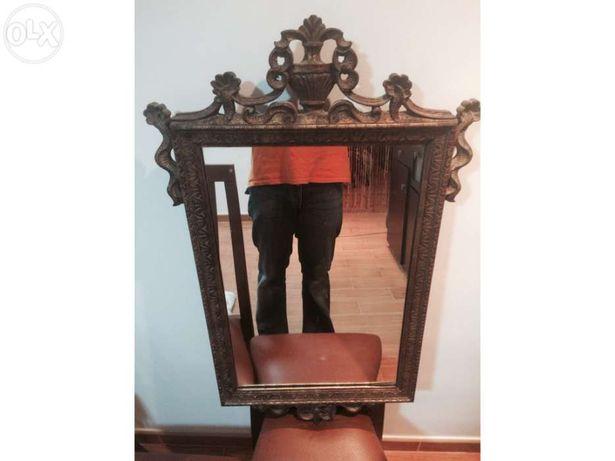 Espelho antigo em talha dourada