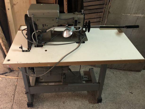 Швейна промислова машинка з двигуном