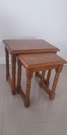 Dwa drewniane stoliki taborety