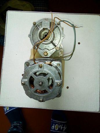 Двигатель от электромясорубки Производства Харьков