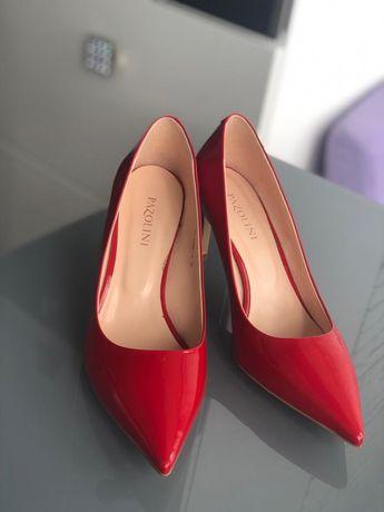 Продам женские туфли PAZOLINI
