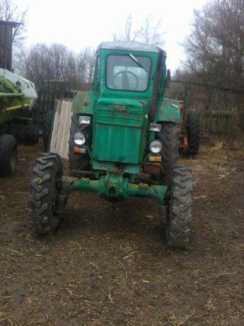 Продам трактор т 40 ам .