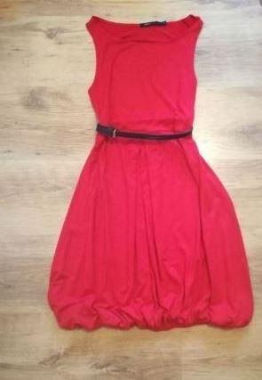 Sukienka czerwona carry