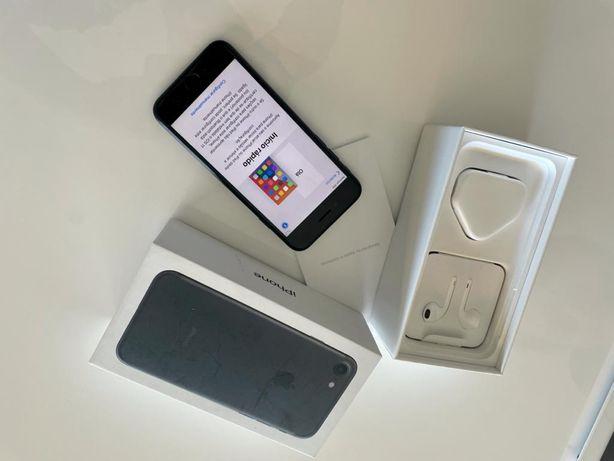 Iphone 7 - Preto - 32gb (desblo)