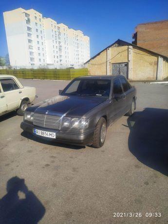 Мерседес E200 W124