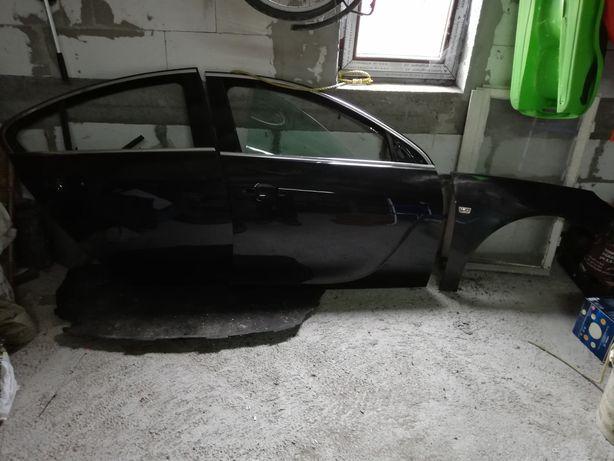 Drzwi błotnik Opel Insignia z22c