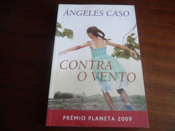 «Contra o Vento» de Angeles Caso