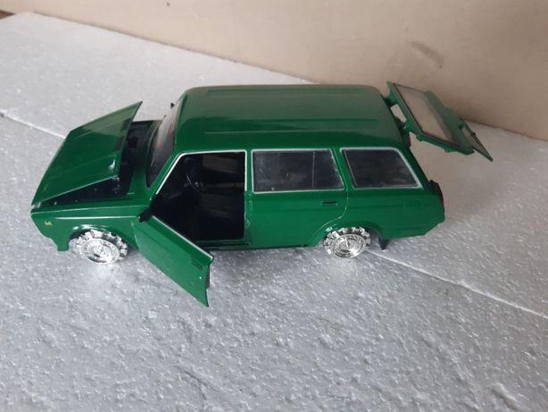 Машинка металлическая Ваз 2104