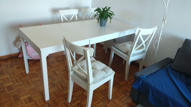 Mesa extensível 130cm/190 Ikea com cadeiras ingolf