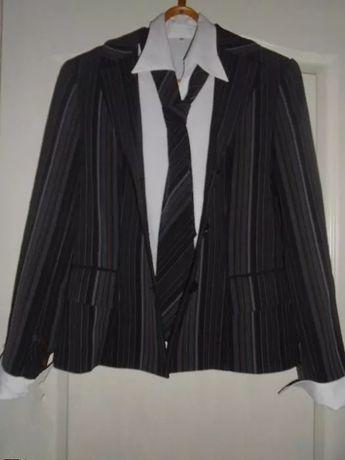 Костюм женский тройка+блузка и галстук.