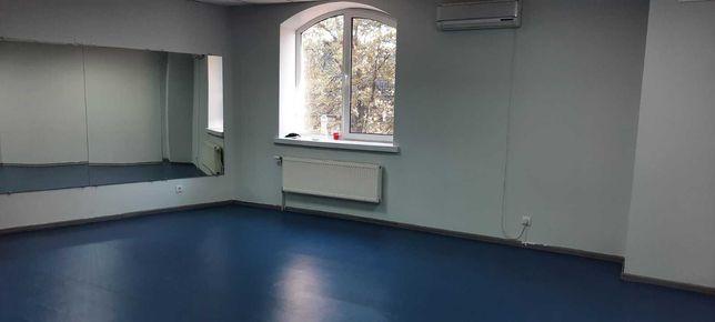 Оренда офісного приміщення в районі парку Міцкевича в Центрі