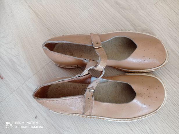 Смотрите все фото! #три пары сандалий#размеры на каждой паре разные!