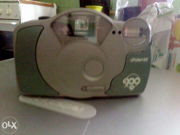 Máquina fotográfica polaroid de rolo 900