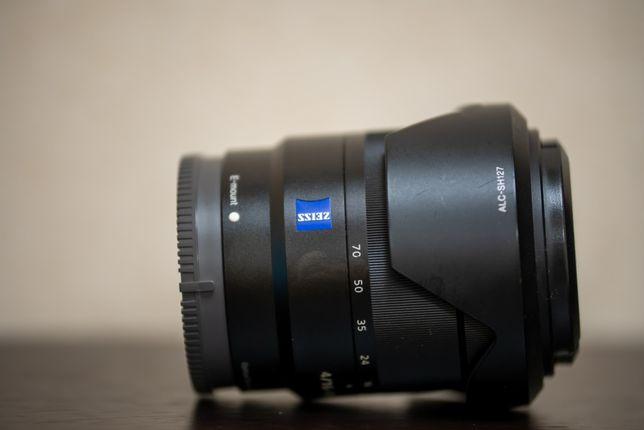 Sony E SEL16-70 f/4 Zeiss OSS