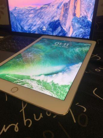 Планшет Apple iPad Air 2 Wi-Fi + LTE 64GB Silver