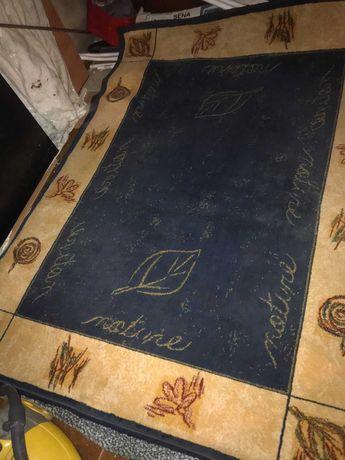carpete em tons de azul