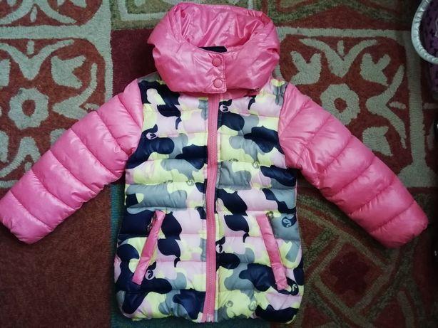 Осенняя курточка для девочки на 4-5 лет